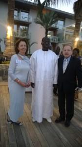 Mannen i mitten är Senegals parlaments talman Moustapha Niasse (som i sin ungdom varit i Tammerfors och köpt en silverring som han aldrig tagit av sig sedan dess) och till höger AWEPA:s viceordförande, den polske parlamentarikern Tadeusz Iwiński