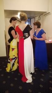 Tre damer i samspråk om erfarenheterna från catwalken