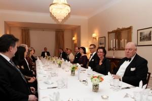 Middagen på brittiska ambassaden.